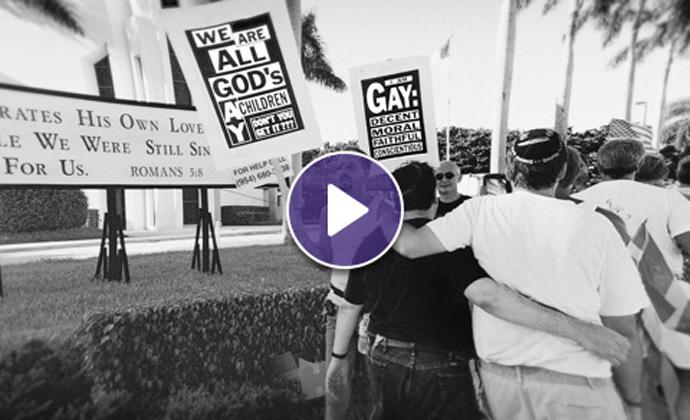 Nagmamartsa ang mga protesterbilang pagsuporta sa gay community sa mga unang panahon ng krisis sa AIDS