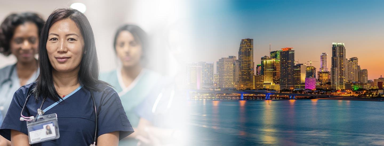 Isang grupo ng mga nakangiting nurse