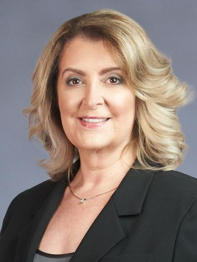 葉亞娜·樂芙(Ileana Leyva)醫師